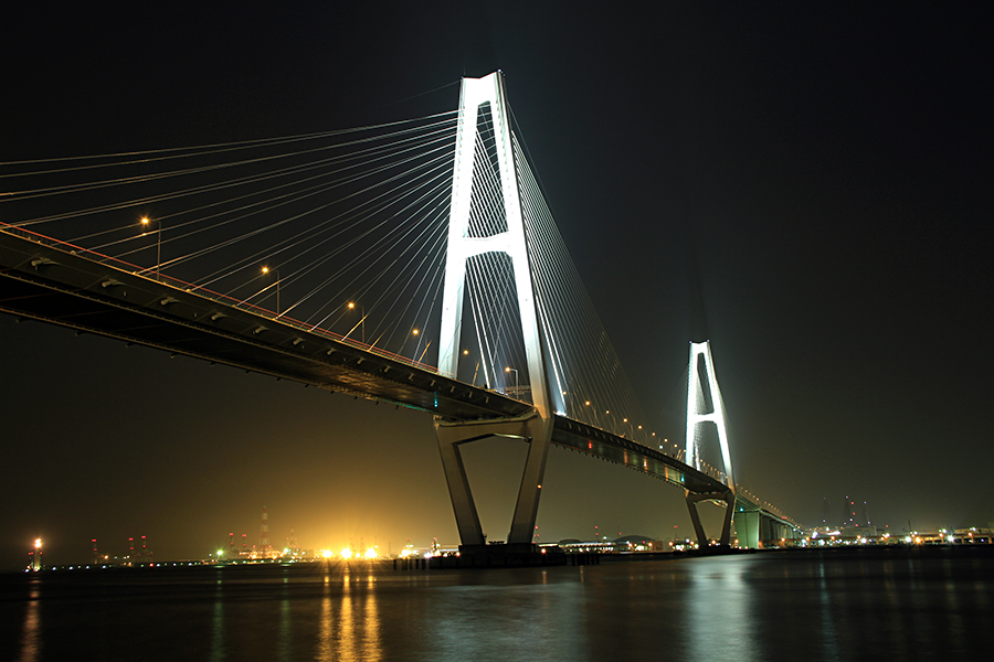 名港トリトン(名港中央大橋)