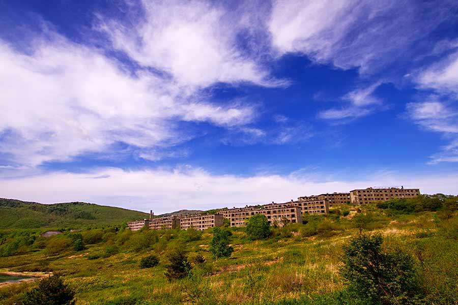 松尾鉱山跡アパート群